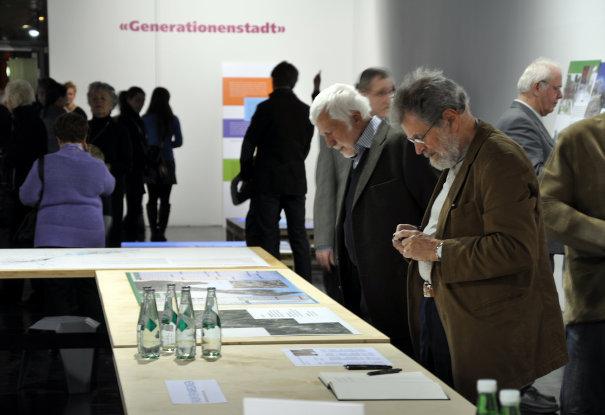 Eröffnung der Ausstellung Generationenstadt November 2011 • © Klaus Stattmann